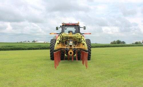Dribble Bar Manure Injection Toolbar with Narrow Travel Width
