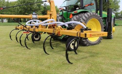 Competitor Series Cost-Effective Manure Injection Toolbar