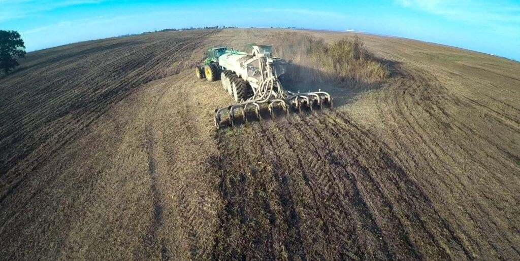 Phantom Manure Injector Tank Bar in Action